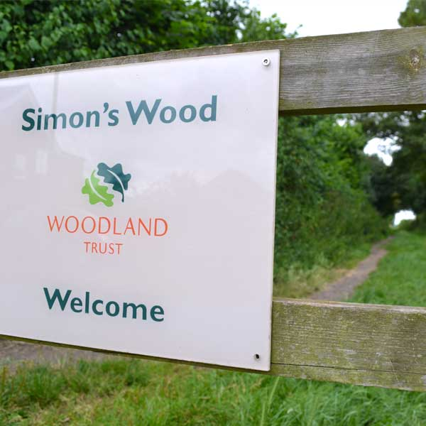 Simon's Wood entrance