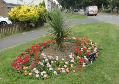 A flower bed at the entrance to Lincoln Drive